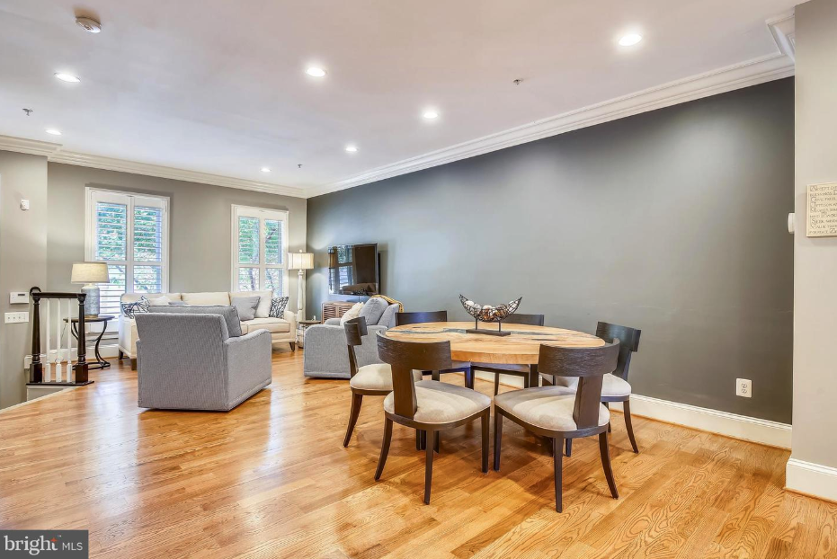 open floorplan and living room of 418 pendleton st in old town alexandria