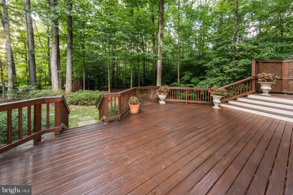 back deck of 7100 laketree dr fairfax station